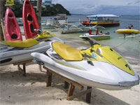 Enjoy all kinds of water sport activities on Boracay in the Philippines