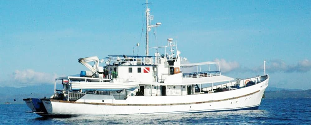 The Resolute Liveaboard Dive Ship, Philippines