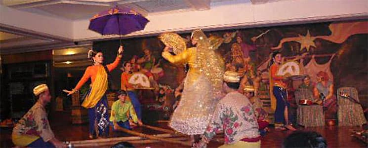 Cultural dinner performance, Philippines