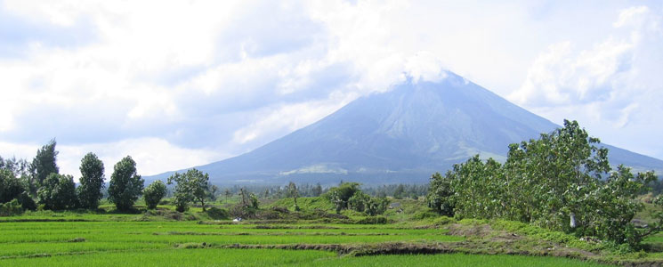 The perfectly symetrical Mt Mayon volcano, Bicol